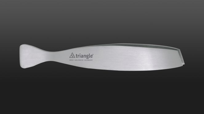 The triangle® fish tweezers is made from stainless steel