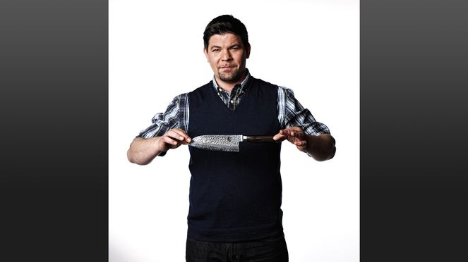Tim Mälzer with Santoku Kai knife