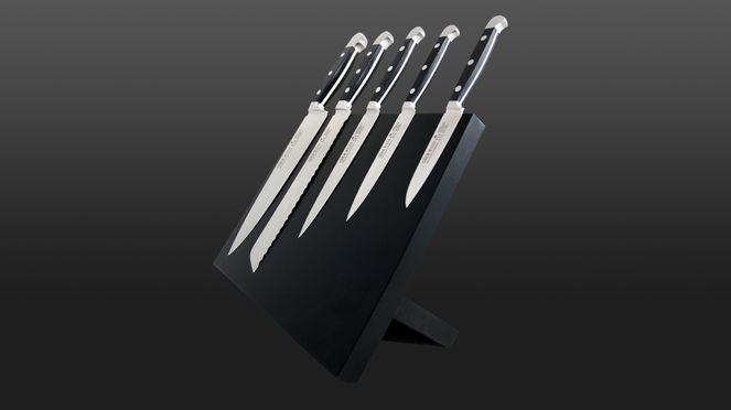 With the Güde knife holder the knives are always ready to hand