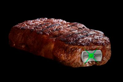 3.4_Green-flash_SteakChamp3C_Medium-Rare.jpg