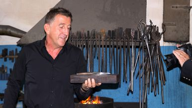Launch of sknife steak knife