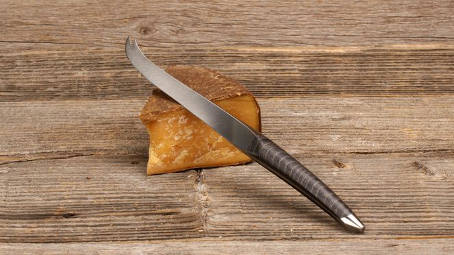 swiss cheese knife – with swiss cheese