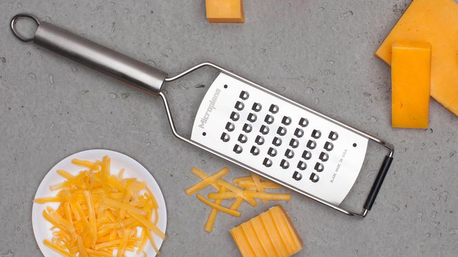 cheese grater for dishes with cheese but also with vegetables or fruit